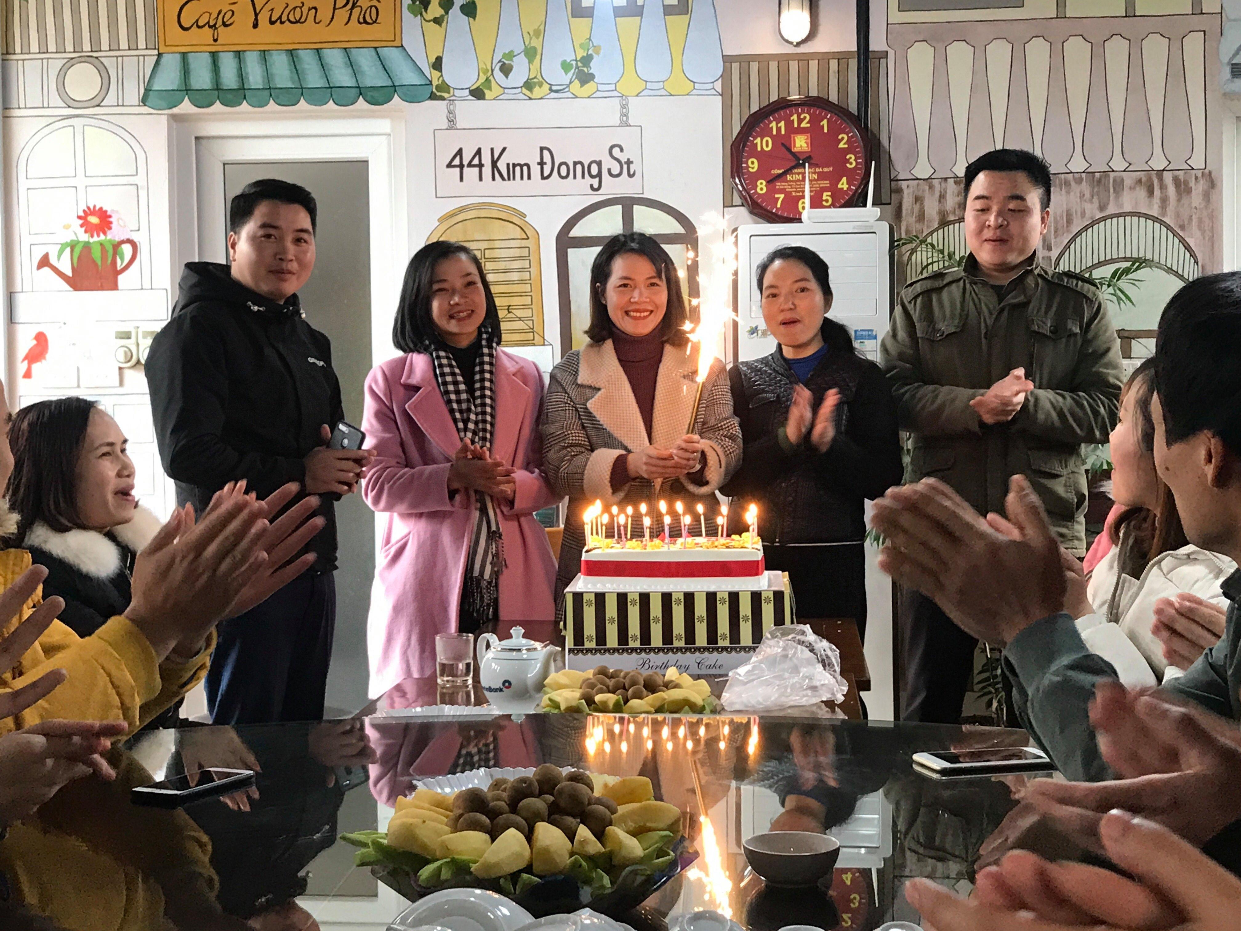 Công đoàn Hưng Gia tổ chức sinh nhật cho các thành viên tháng 2