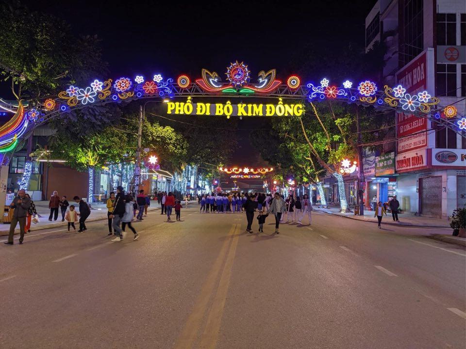Phố đi bộ Kim Đồng hoạt động trở lại sau thời gian tạm nghỉ vì dịch Covid – 19