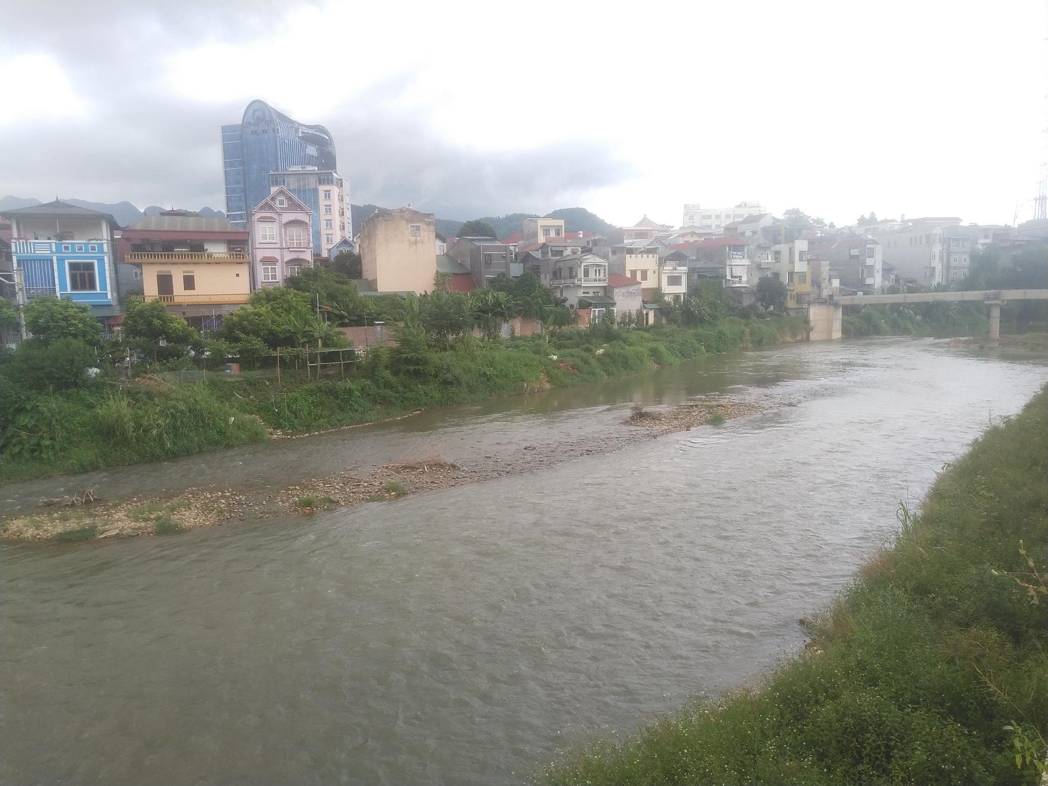 Dự án: Kè chống sạt lở bờ, ổn định dân cư bờ phải Sông Hiến, thành phố Cao Bằng.