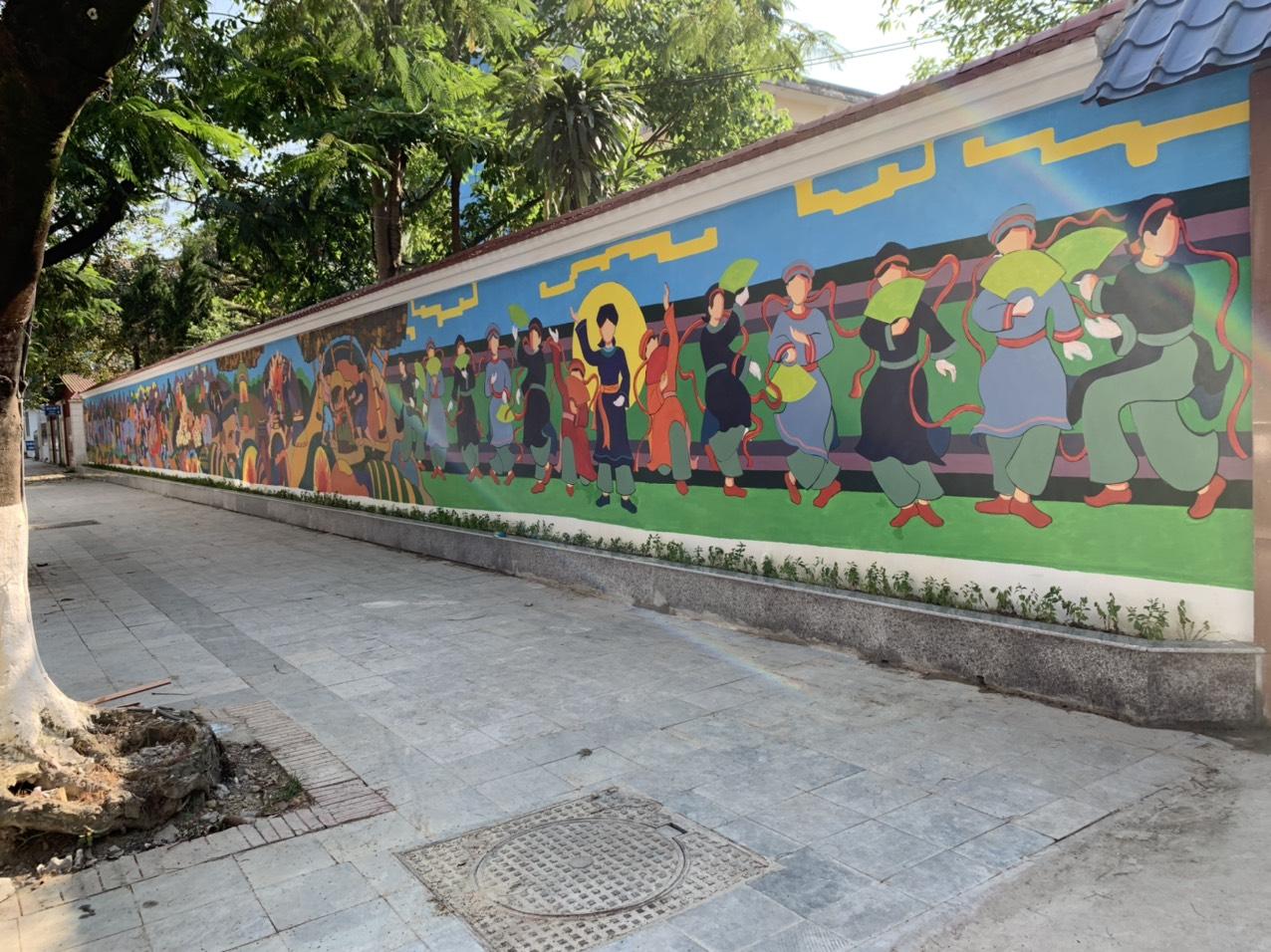 """Công ty TNHH Bất Động Sản Địa Ốc Hưng Gia vinh dự tài trợ công trình văn hóa tranh tường """"Non nước Cao Bằng""""."""